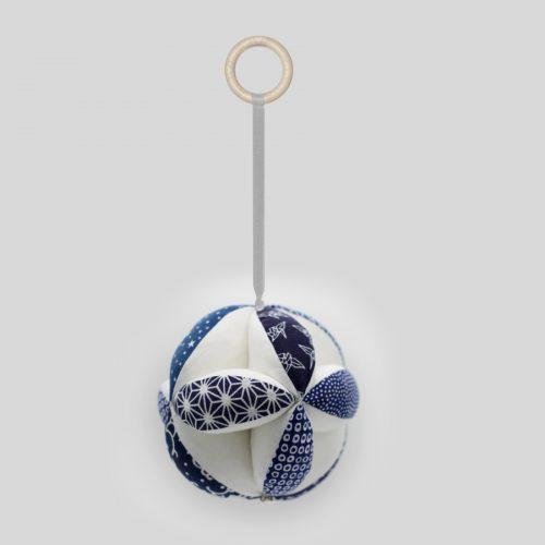 Синий мяч Такане
