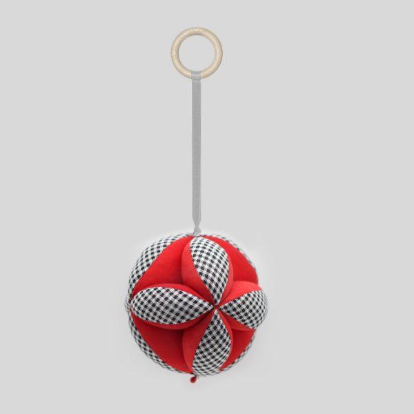 Красный мяч Такане