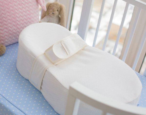Кокон для новорожденных в кроватке