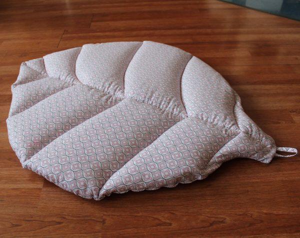 Игровой коврик листик светлый с орнаментом